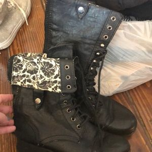Other - Black boots 5.5